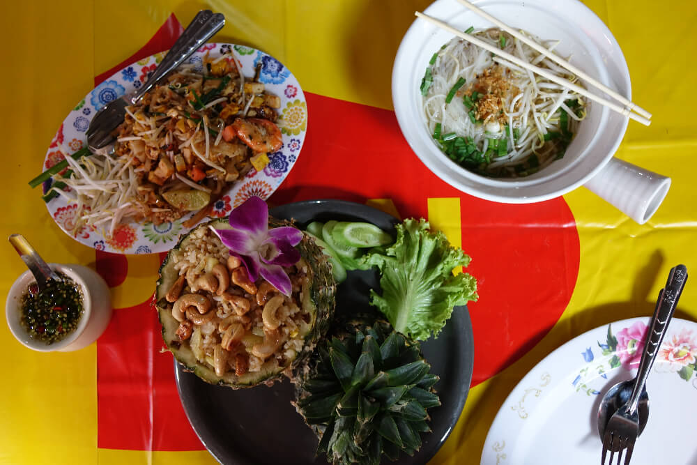 Streetfood Bangkok: Pad Thai, Noodle Soup, Pineapple Fried Rice