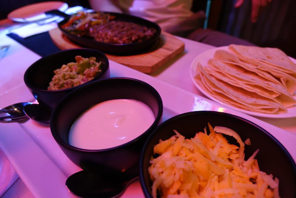Slanted Taco Bangkok Beef Sizzler