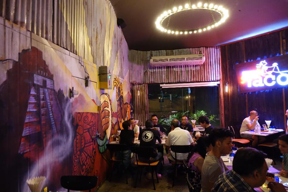 Slanted Taco Bangkok Atmosphaere im Restaurant