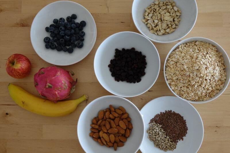 Backen mit Kokosoel: Zutaten fuer ein gesundes Granola