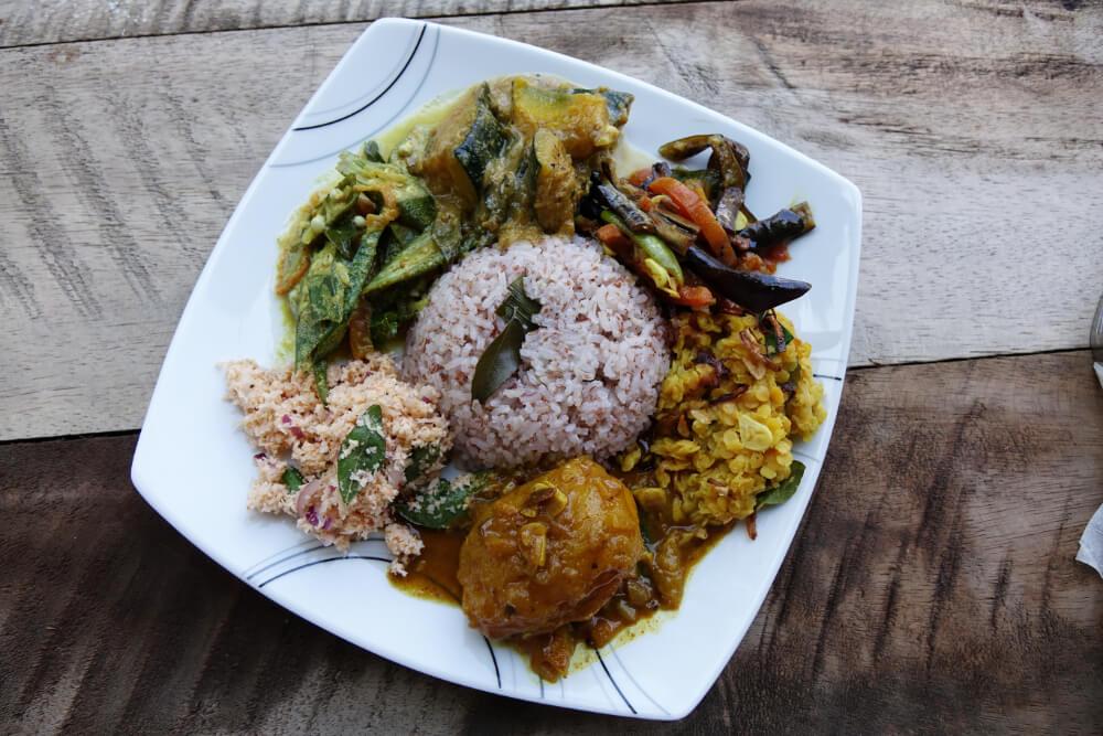 Kochen auf Sri Lanka mit Kokosoel