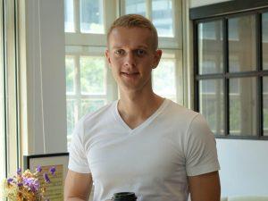 Portrait von KOPFSACHE Gruender Henning Roxin